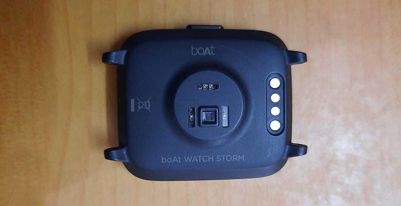 boAt storm smartwatch sensors